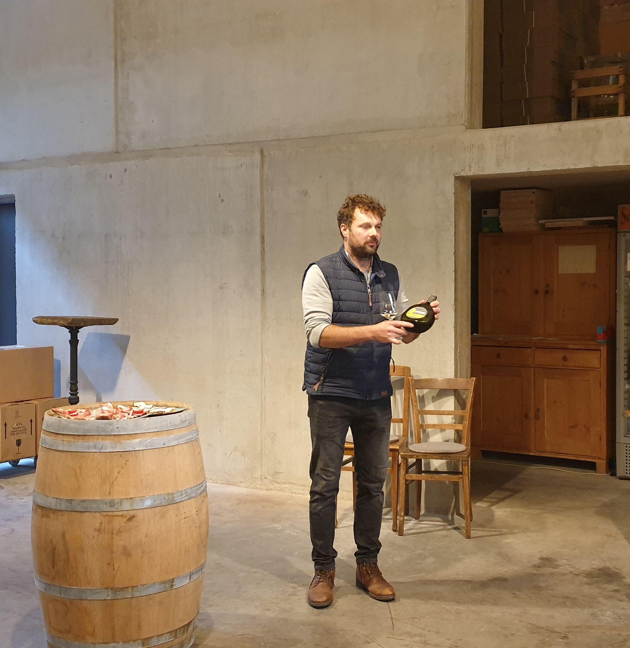 Kellerführung im Weingut Huller